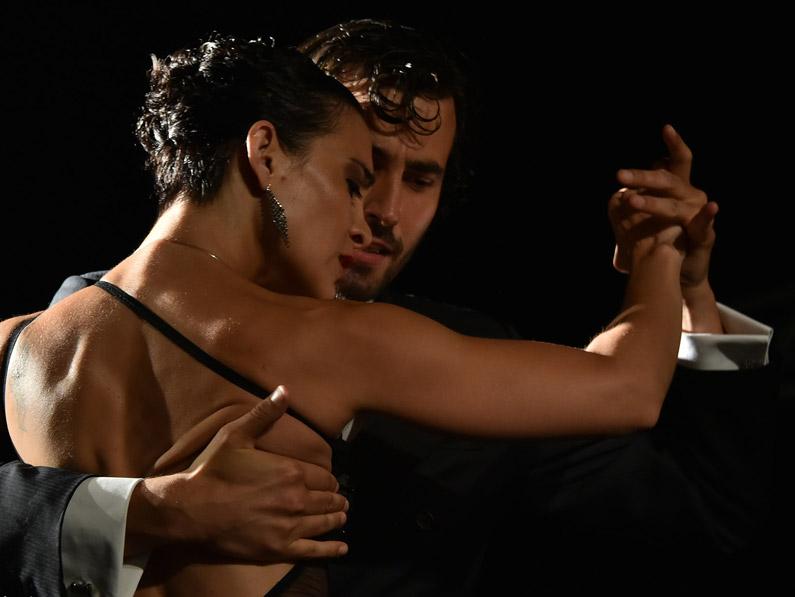 06_tango_big_01